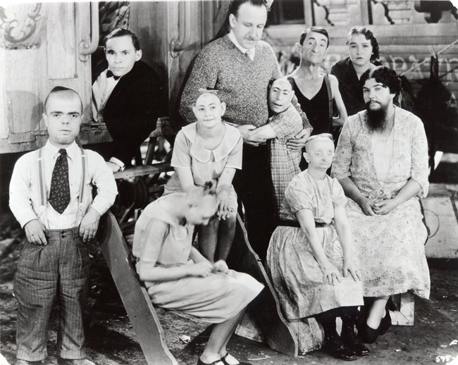 Monster, Freaks & Kuriositäten – historische Figuren