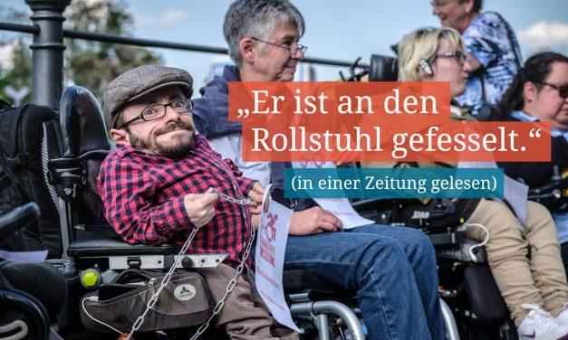 """Raul Krauthausen: """"Sollten Sie tatsächlich jemanden treffen, der an den Rollstuhl gefesselt ist, binden Sie ihn los."""""""