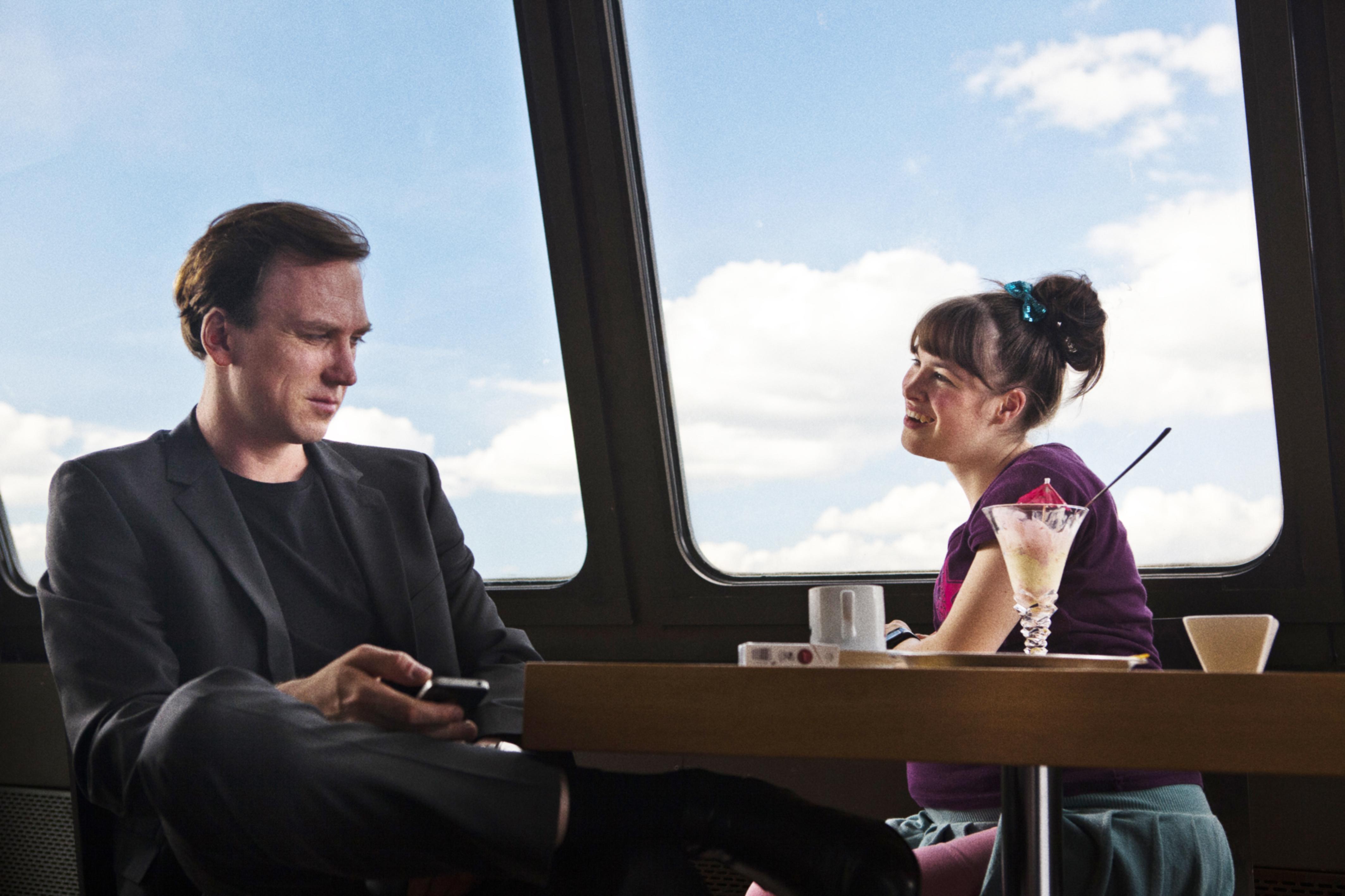 """Auch behinderte Menschen haben Sex – Filmkritik zu """"Dora oder Die sexuellen Neurosen unserer Eltern"""""""