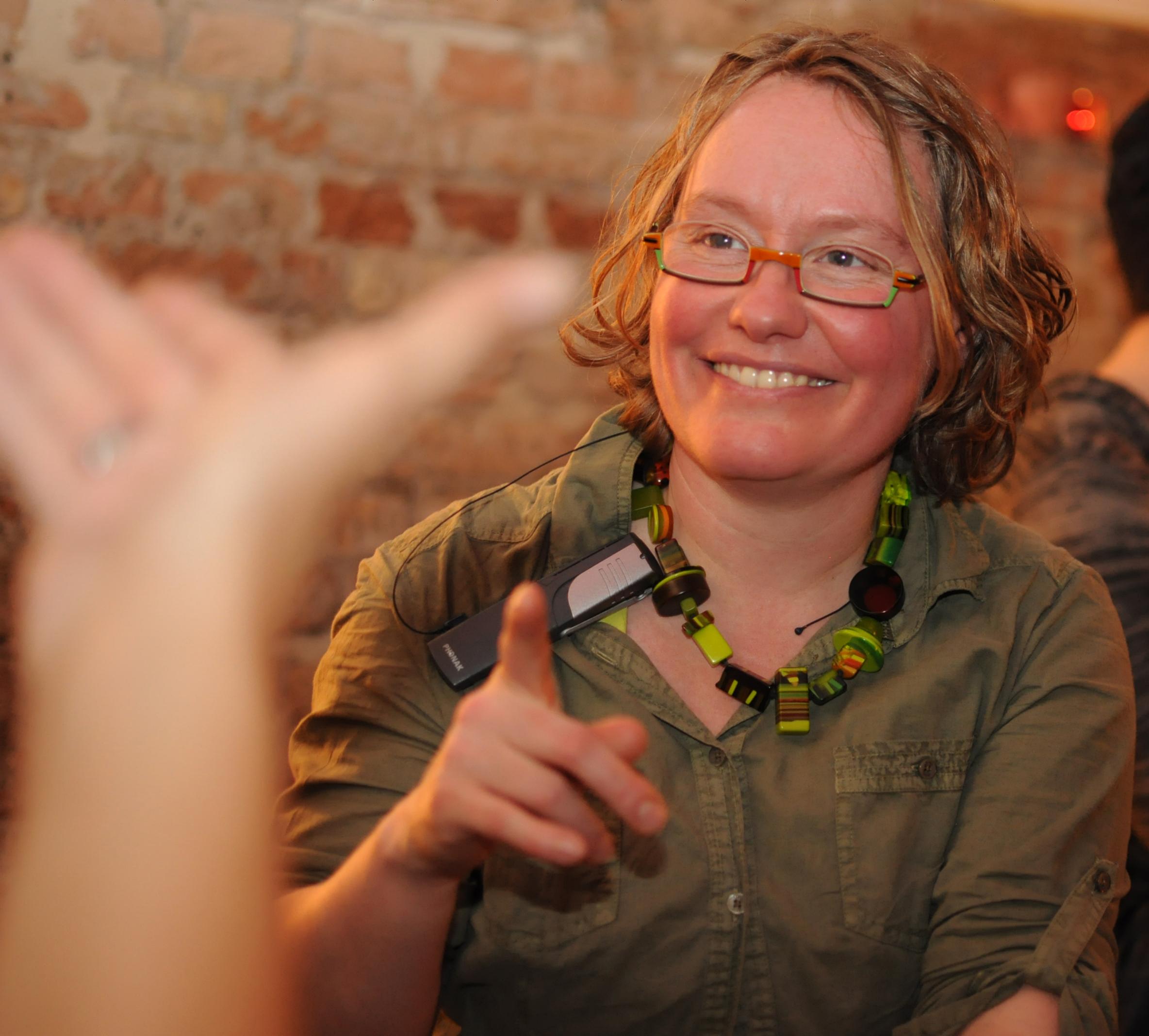 """Interview: Ines Helke vom Gebärdenchor """"HandsUp"""""""
