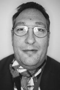 Porträtbild in schwarz weiß von Christian Specht