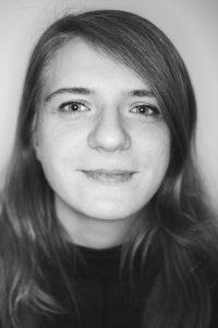 Porträtbild in schwarz weiß von Katrin Gottschalk