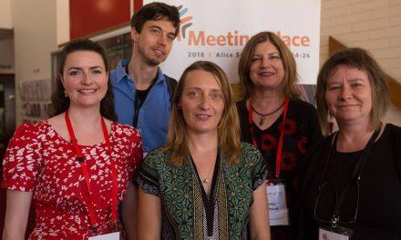 Einmal um die Welt – Berliner*innen reisen zur Konferenz für Künstler*innen mit Behinderung nach Australien