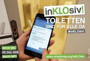 """Ein Smartphone wird von einer Hand festgehalten. Auf dem Display ist die Seite Wheelmap.org geöffnet. Am Rand des Bildes steht """"inKLOsiv"""" - Toiletten sind für alle da und das die Kampagne noch bis zum 4. Dezember geht."""